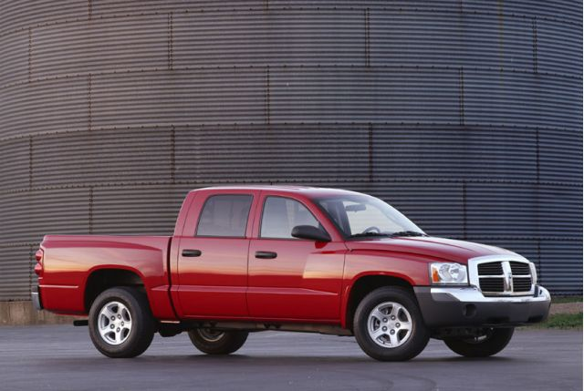 new and used dodge dakota prices photos reviews specs the car connection. Black Bedroom Furniture Sets. Home Design Ideas