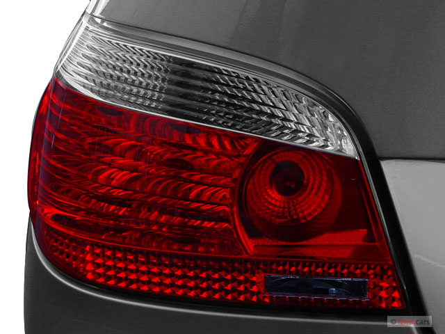 Image 2006 Bmw 5 Series 530i 4 Door Sedan Rwd Tail Light Size 640 X 480 Type Gif Posted On