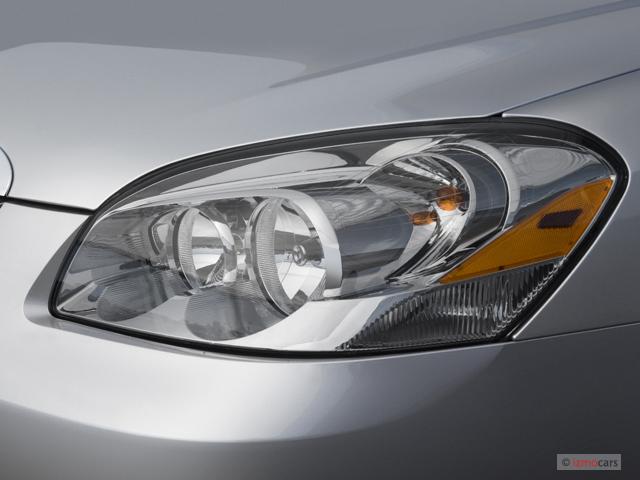 image 2006 buick lucerne 4 door sedan cxl v6 headlight. Black Bedroom Furniture Sets. Home Design Ideas