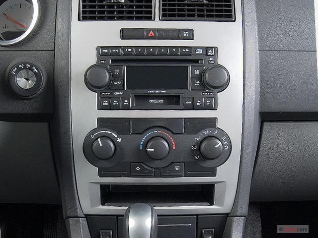 image 2006 dodge charger 4 door sedan rwd instrument. Black Bedroom Furniture Sets. Home Design Ideas