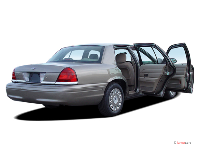 image 2006 ford crown victoria 4 door sedan standard open. Black Bedroom Furniture Sets. Home Design Ideas