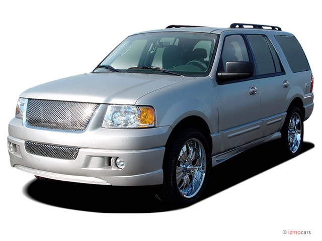 2006 Ford Expedition 4-door XLT Angular Front Exterior View