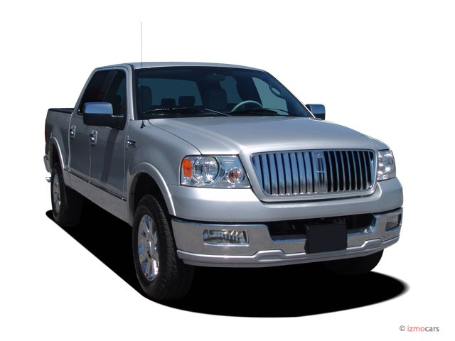 """2006 Lincoln Mark LT 4WD Supercrew 139"""" Angular Front Exterior View"""