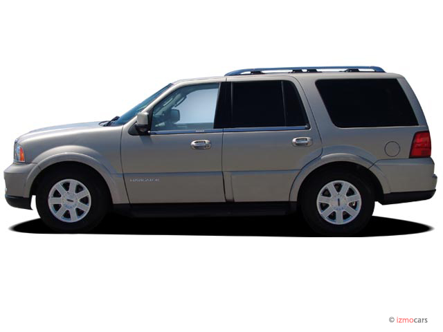 2006 Lincoln Navigator 4-door 4WD Luxury Side Exterior View