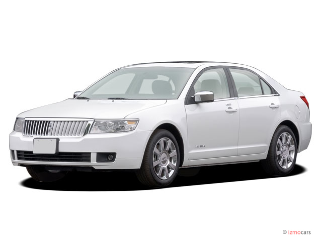 2006 Lincoln Zephyr 4-door Sedan Angular Front Exterior View
