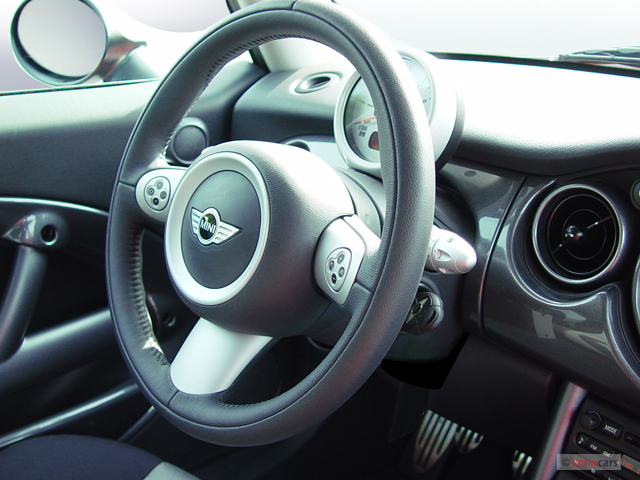 2006 MINI Cooper Hardtop 2-door Coupe S Steering Wheel