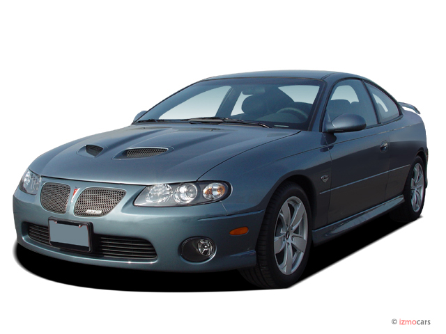 2006 Pontiac GTO 2-door Coupe Angular Front Exterior View
