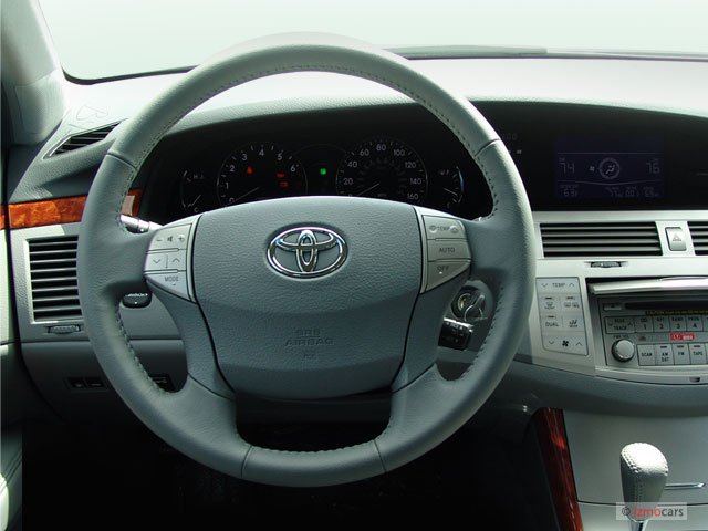 image 2006 toyota avalon 4 door sedan xls natl steering wheel size 640 x. Black Bedroom Furniture Sets. Home Design Ideas