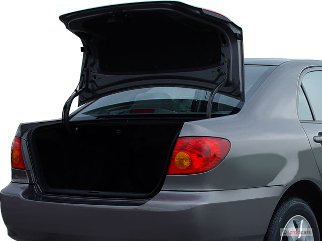 2006 Toyota Corolla 4-door Sedan LE Auto (Natl) Trunk