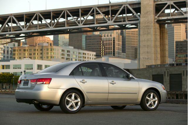 2006 Hyundai Sonata - rear quarter