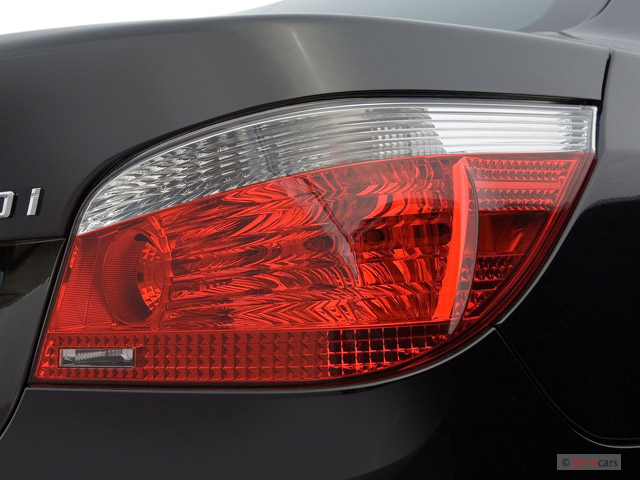 Image 2007 Bmw 5 Series 4 Door Sedan 530i Rwd Tail Light