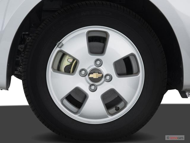 image 2007 chevrolet aveo 4 door sedan ls wheel cap size. Black Bedroom Furniture Sets. Home Design Ideas