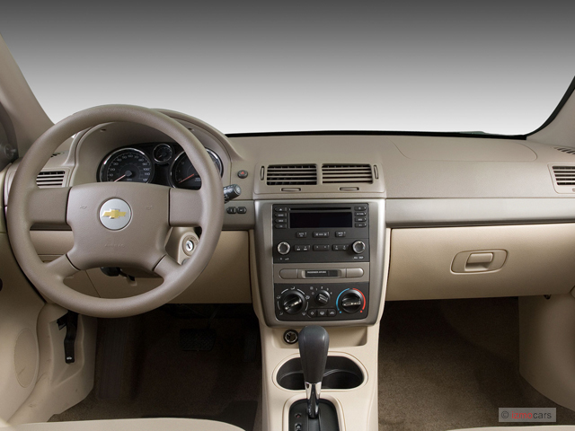 Image: 2007 Chevrolet Cobalt 4-door Sedan LS Dashboard ...