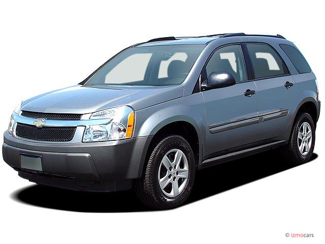 2007 Chevrolet Equinox 2WD 4-door LS Angular Front Exterior View