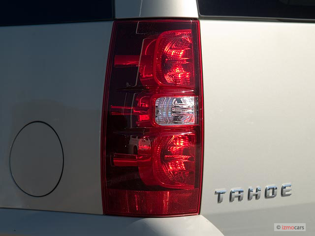 Image: 2007 Chevrolet Tahoe 2WD 4-door 1500 LT Tail Light ...