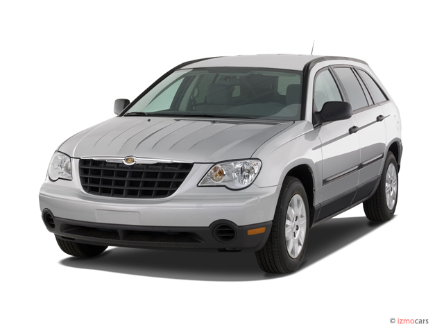 2007 Chrysler Pacifica 4-door Wagon FWD Angular Front Exterior View