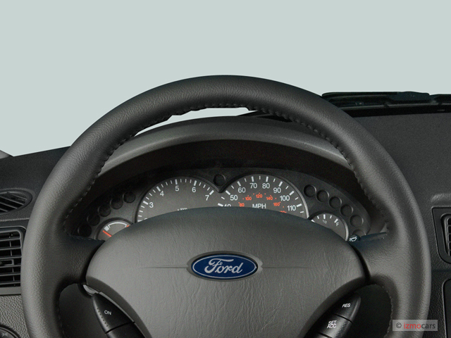 Image: 2007 Ford Focus 4-door Sedan SE Instrument Cluster ...