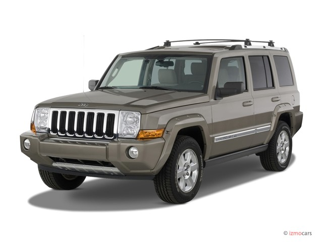 2007 Jeep Commander 2WD 4-door Limited Angular Front Exterior View