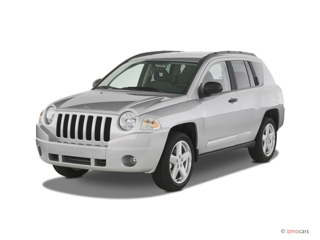 2007 Jeep Compass 2WD 4-door Limited Angular Front Exterior View