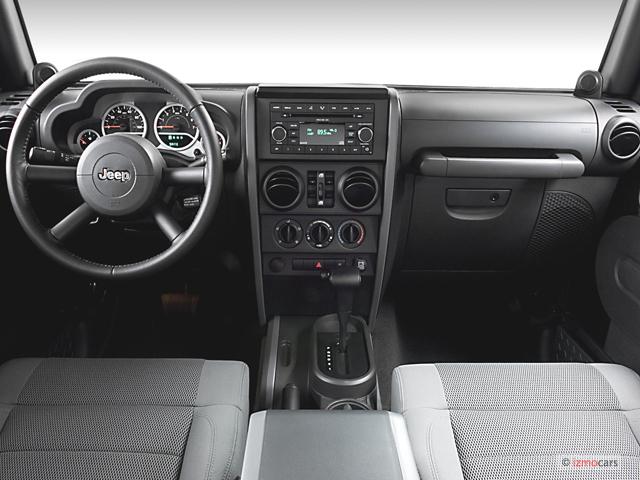 jeep wrangler 2007 sahara dashboard unlimited door 2wd 2009 motortrend type