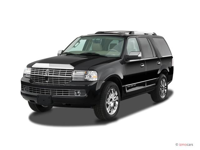 2007 Lincoln Navigator 2WD 4-door Ultimate Angular Front Exterior View