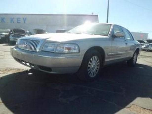 2007 Mercury Grand Marquis used car