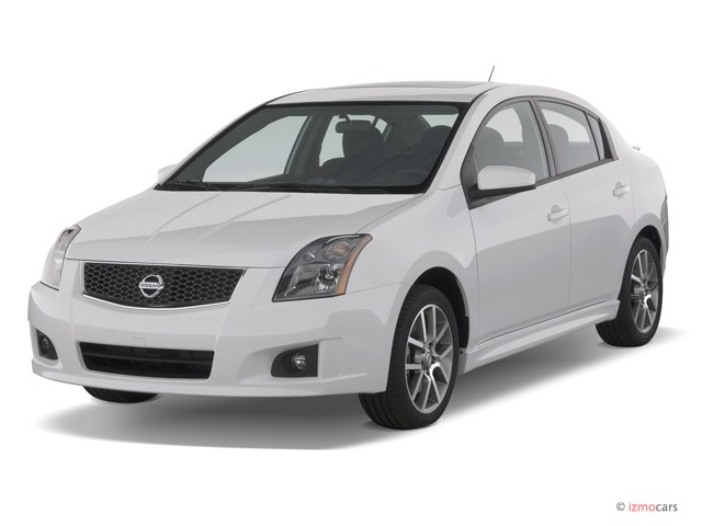 2007 Nissan Sentra 4-door Sedan Manual SE-R Spec V Angular Front Exterior View