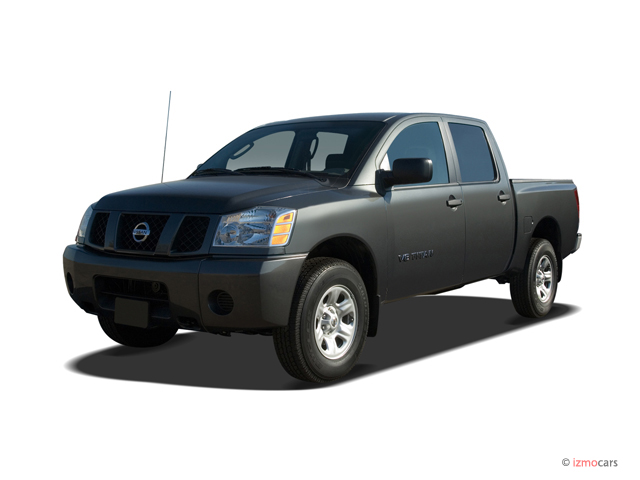 2007 Nissan Titan 2WD Crew Cab LE Angular Front Exterior View