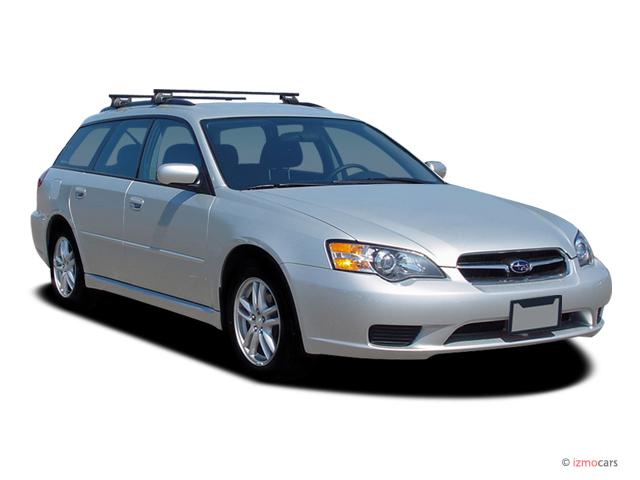 2007 Subaru Legacy Wagon 4-door H4 MT Angular Front Exterior View