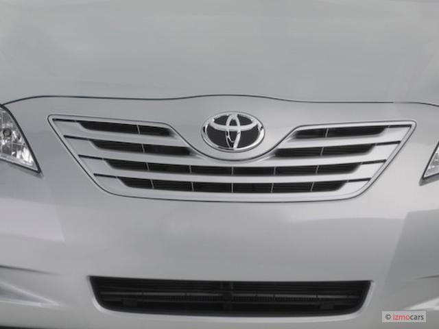 2007 Toyota Camry 4-door Sedan I4 Auto LE (Natl) Grille