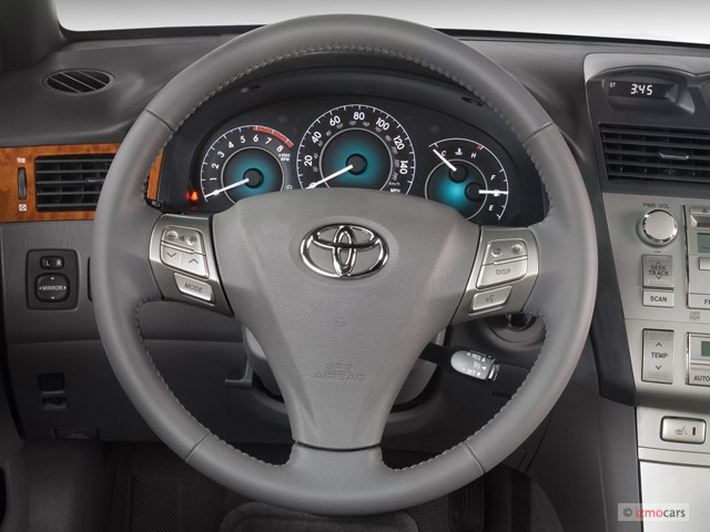 image 2007 toyota camry solara 2 door convertible v6 auto sle natl steering wheel size 640. Black Bedroom Furniture Sets. Home Design Ideas