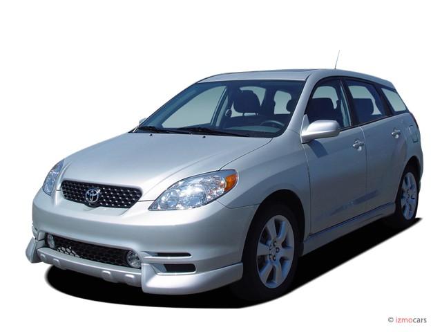2007 Toyota Matrix 5dr Wagon Manual STD (Natl) Angular Front Exterior View