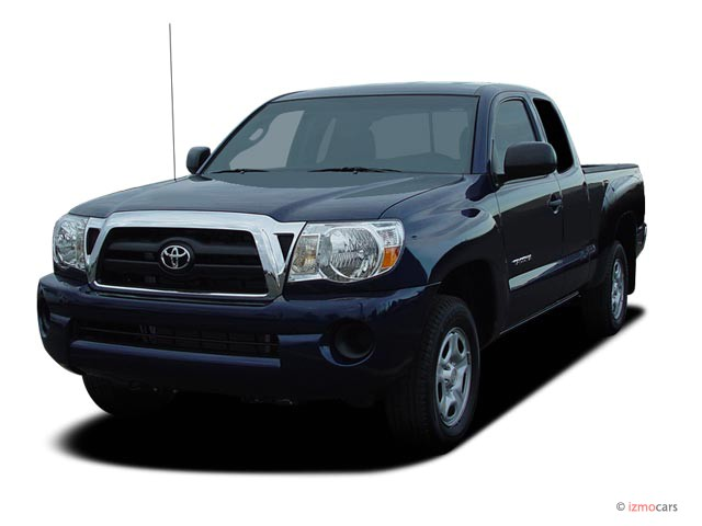 2007 Toyota Tacoma 2WD Access I4 MT (Natl) Angular Front Exterior View