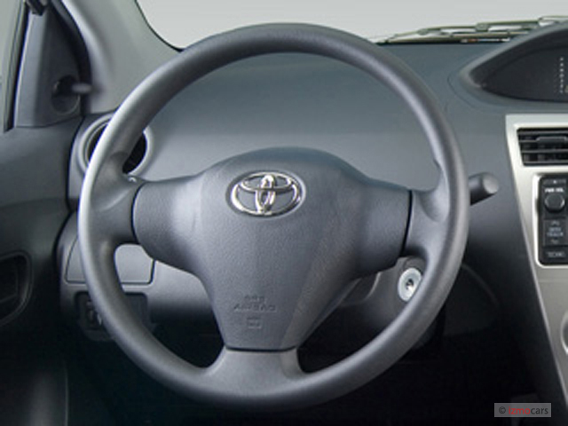image 2007 toyota yaris 4 door sedan auto base natl steering wheel size 640 x 480 type. Black Bedroom Furniture Sets. Home Design Ideas