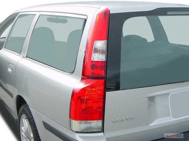 Image: 2007 Volvo V70 4-door Wagon 2.4L AT FWD Tail Light ...
