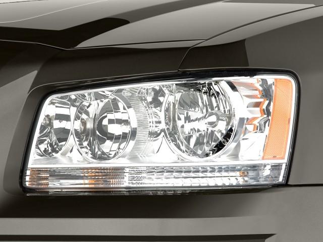 2008-dodge-magnum-4-door-wagon-rwd-headlight_100273063_s.jpg