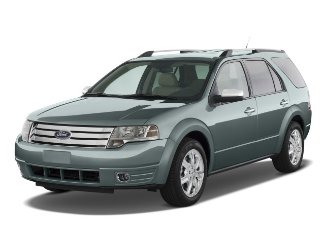 2008 Ford Taurus X 4-door Wagon Limited AWD Angular Front Exterior View