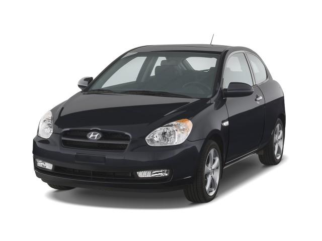 2008 Hyundai Accent 3dr HB Auto SE Angular Front Exterior View