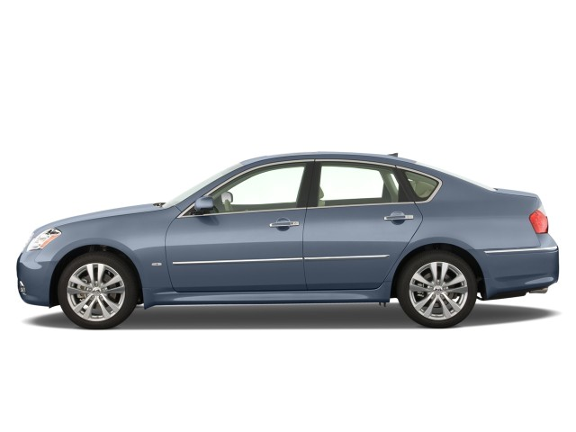 2008 Infiniti M35 4-door Sedan RWD Side Exterior View