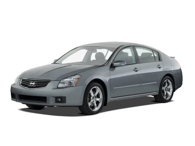 2008 Nissan Maxima 4-door Sedan SE Angular Front Exterior View