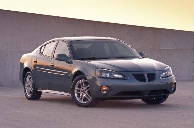 new and used pontiac grand prix prices photos reviews specs the car connection. Black Bedroom Furniture Sets. Home Design Ideas