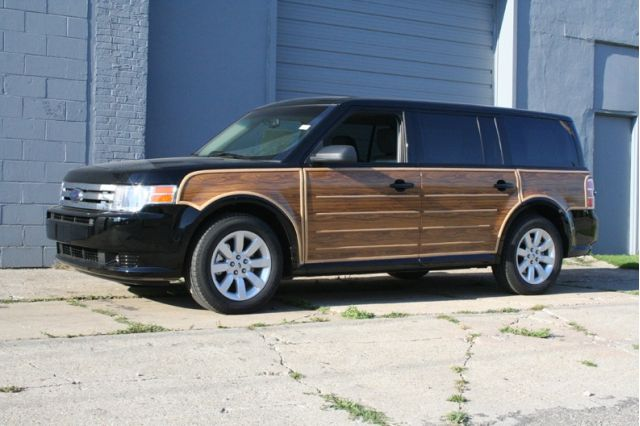 """2009 Ford Flex """"Woody"""" Package"""