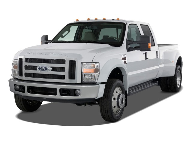 2009 Ford Super Duty F-450 4WD Crew Cab Lariat Angular Front Exterior View
