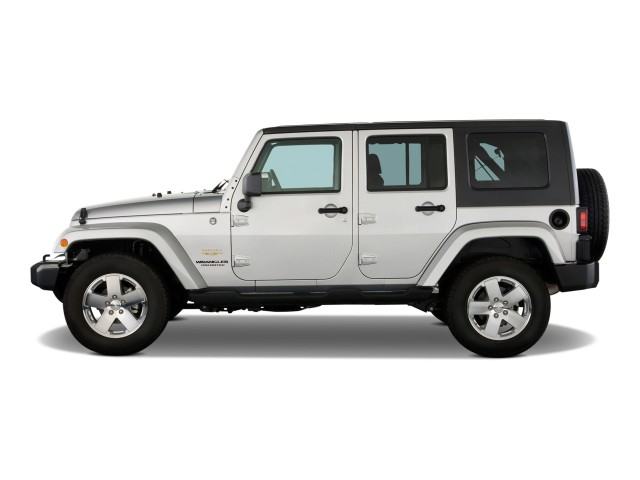 2009 Jeep Wrangler Unlimited RWD 4-door Sahara Side Exterior View
