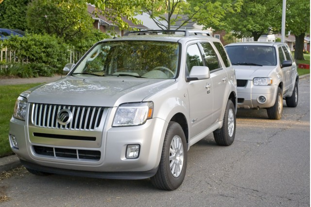2009 Mercury Mariner Hybrid with 2005 Ford Escape