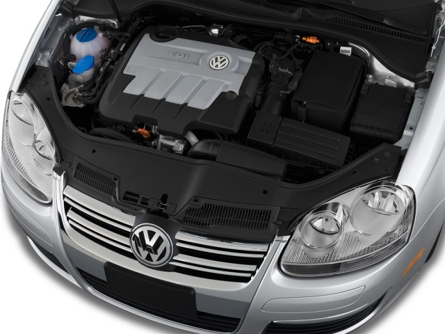 2009 Volkswagen Jetta Sedan 4-door DSG TDI Engine