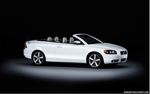 2009 volvo c70 ice white special edition 001