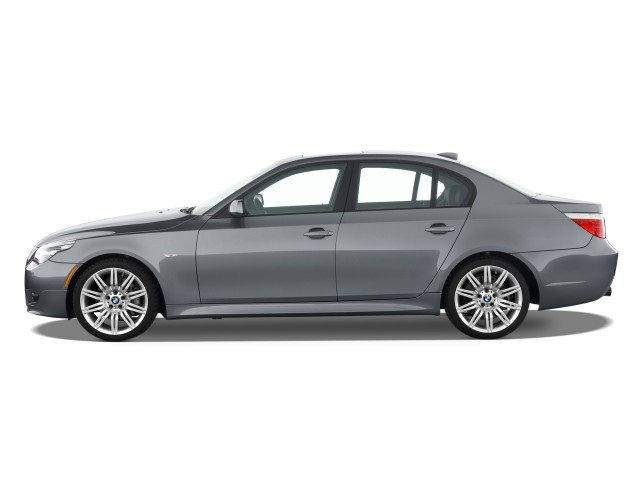 2010 BMW 5-Series 4-door Sedan 550i RWD Side Exterior View