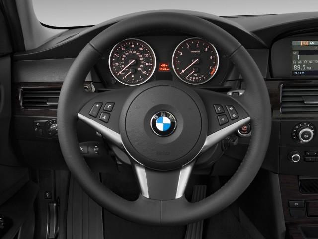 2010-bmw-5-series-4-door-sports-wagon-535i-xdrive-awd-steering-wheel_100245582_s.jpg
