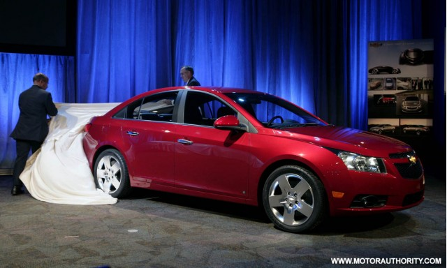 2010 chevrolet cruze motorauthority 002